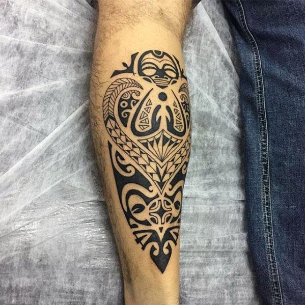 40 polynesischen Bein Tattoo Designs für Männer - Manly