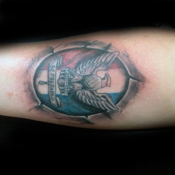 30 Eagle Scout Tattoo Designs für Männer - Pfadfinder von Amerika Tinte Ideen