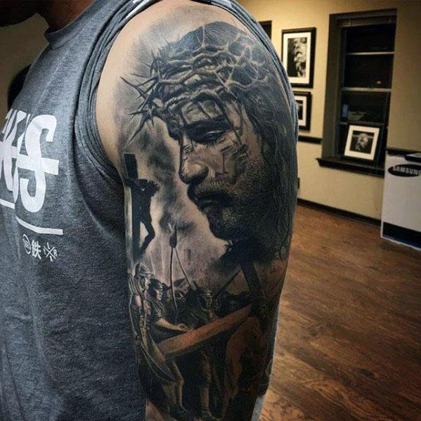 50 Jesus Sleeve Tattoo Designs für Männer - religiöse Tinte Ideen