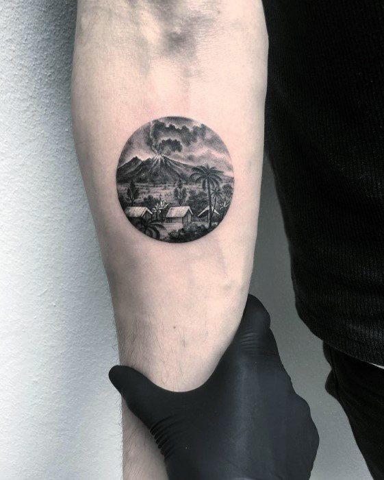 50 Vulkan Tattoo-Designs für Männer - Eruption heiße Lava-Tinte Ideen