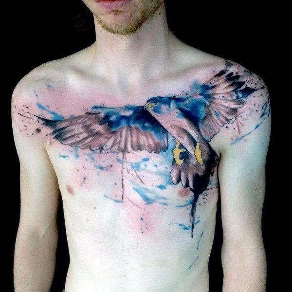 90 Falcon Tattoo Designs für Männer - geflügelte Tinte Ideen