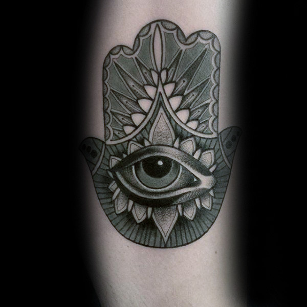 80 Hamsa Tattoo Designs für Männer - Evil Eye Ink Ideen