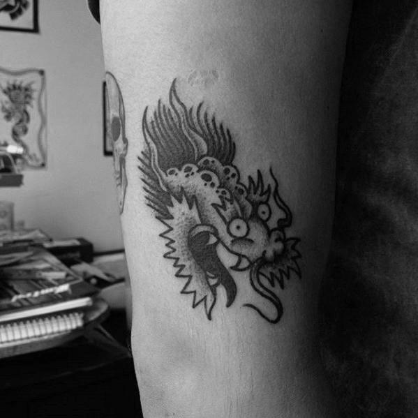50 kleine Drachen Tattoos für Männer - Feuer atmen Design-Ideen