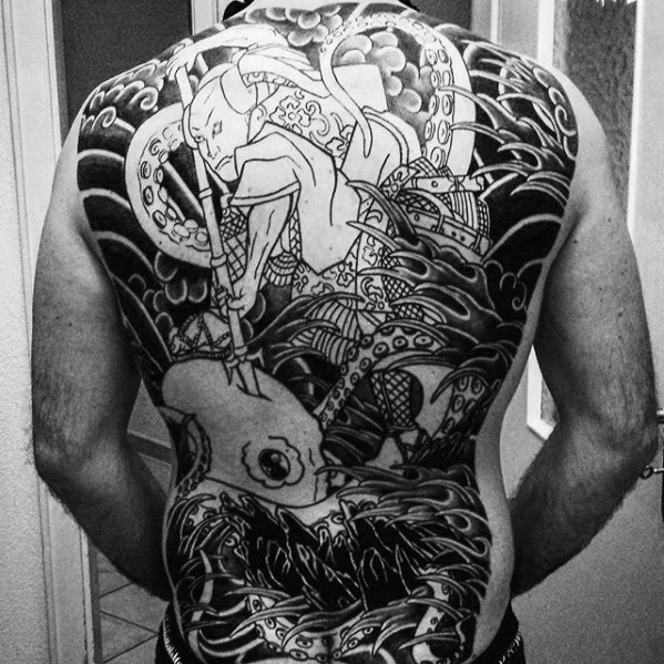50 japanische Tintenfisch-Tätowierungs-Entwürfe für Männer - Tentakel-Tinten-Ideen