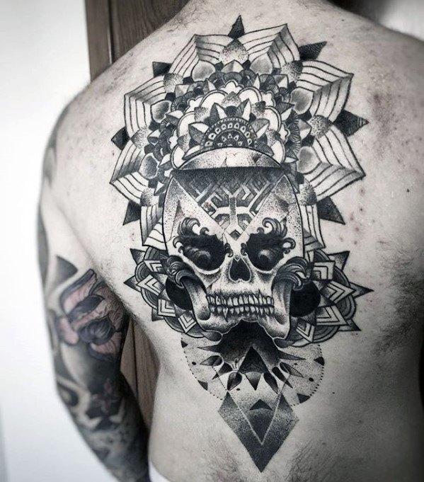 40 einzigartige r cken tattoos f r m nner manly body art design ideen mann stil tattoo. Black Bedroom Furniture Sets. Home Design Ideas